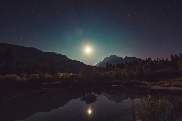 moonshine-960797_960_720